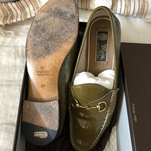 Gucci Shoes - AUTH Vintage Patent Gucci Loafers
